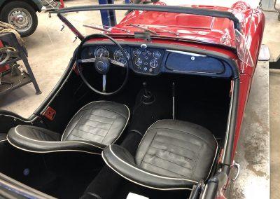 Triumph TR3 rouge 03