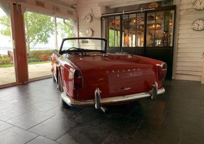 Triumph TR4 rouge 04