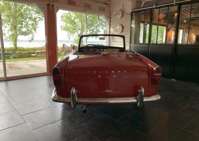 Triumph TR4 rouge 05