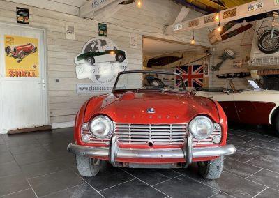 Triumph TR4 rouge 07
