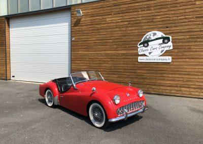Triumph TR3 rouge cabriolet 00003