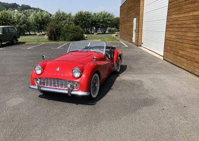 Triumph TR3 rouge cabriolet 00006