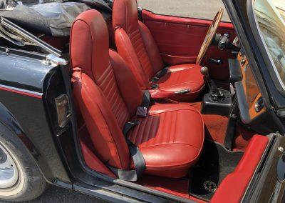 Triumph TR6 noir 00002