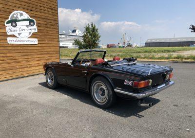 Triumph TR6 noir 00005