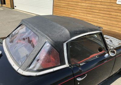 Triumph TR6 noir 00006