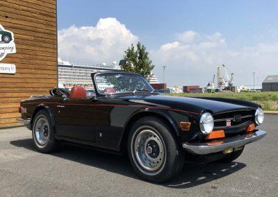 Triumph TR6 noir 00012