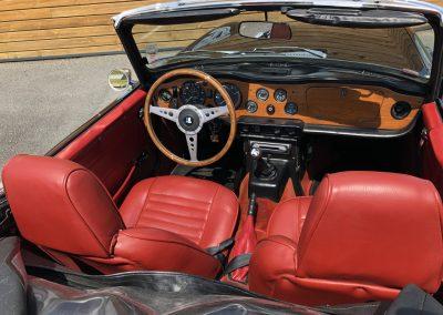 Triumph TR6 noir 00016